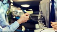 Платежная карта с сенсором отпечатка пальца