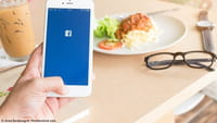 Facebook z opcją zamawiania posiłków