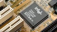 Intel подтвердила уязвимость своих чипов